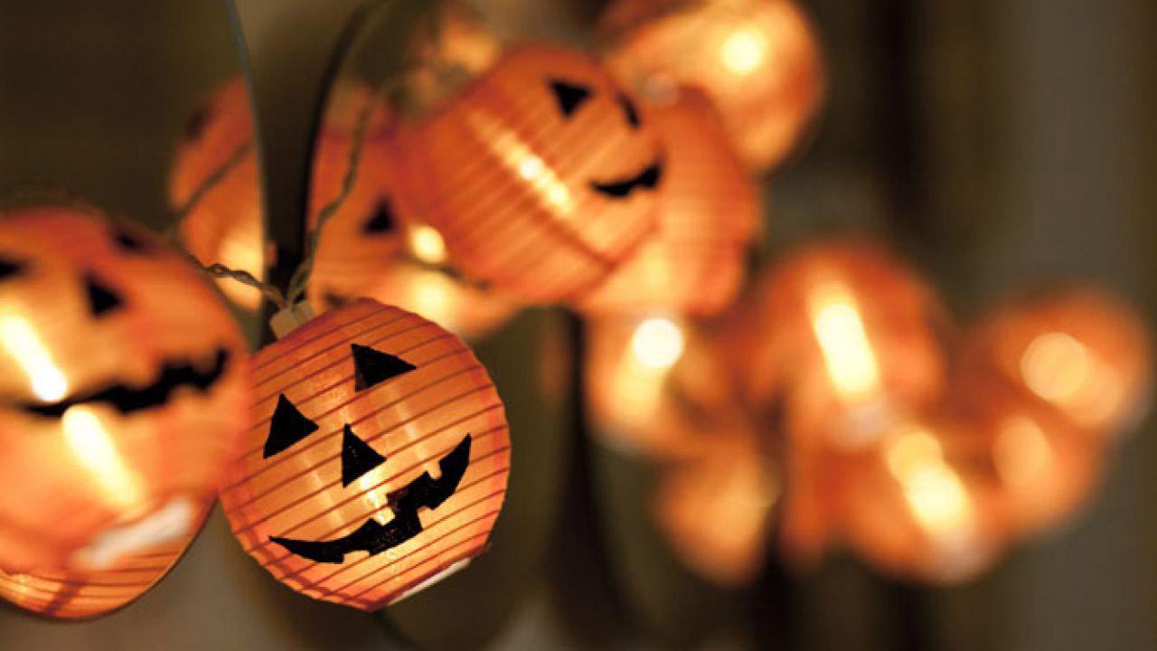 Calabazas-de-papel-para-decorar-la-casa-en-halloween