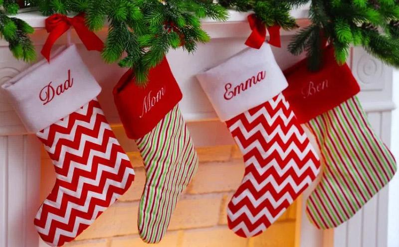 Calcetines navideños para tu salón moderno