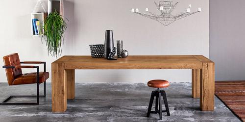 ¿Por qué elegir mesas de madera maciza?