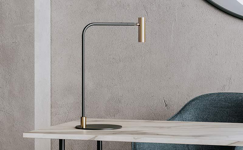 Lámpara de mesa Maho diseñada por Aromas